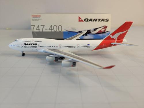 Dragon Wings 1:400 Qantas 747-400