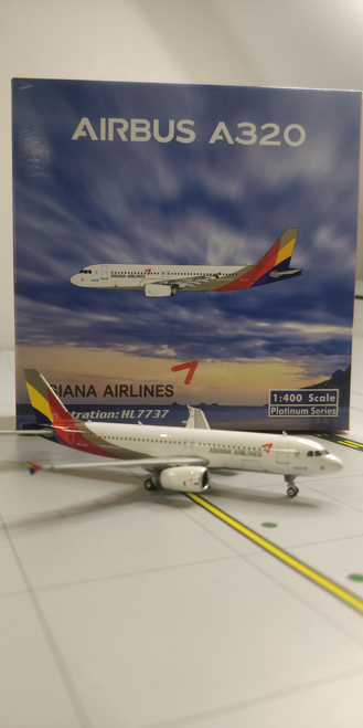 Phoenix 1:400 Asiana Airlines A320