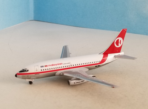 Aeroclassics 1:400 Malaysian Airlines 737-200 9M-MBJ