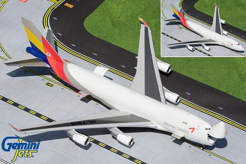 "Gemini200 1:200 Asiana Cargo 747-400F ""Interactive Series"""