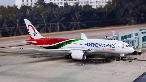 "Phoenix 1:400 Royal Air Maroc 787-9 ""One World"""