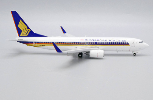 JC200 1:200 Singapore Airlines 737-800 Flaps Down
