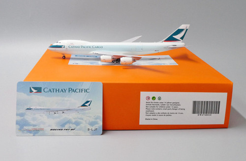 JC Wings 1:400 Cathay Pacific 747-8F (Interactive Series)