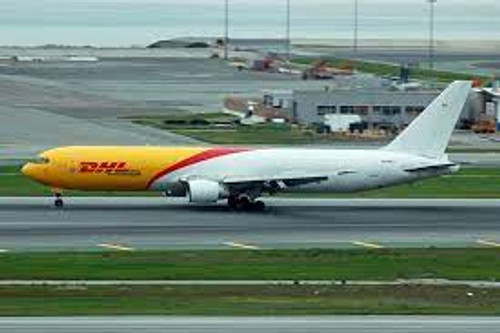 Phoenix 1:400 DHL 767-300ER (N220CY)
