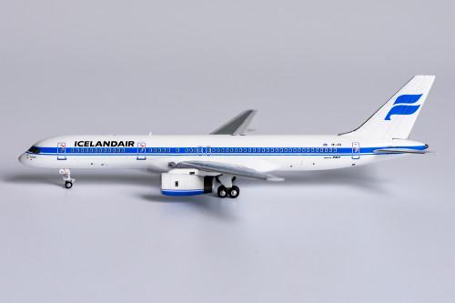 NG Models 1:400 Icelandair 757-200