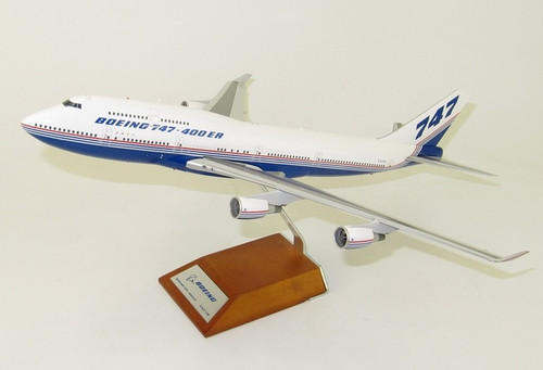 JCwings 1:200 Boeing House Livery 747-400er (XX2174)