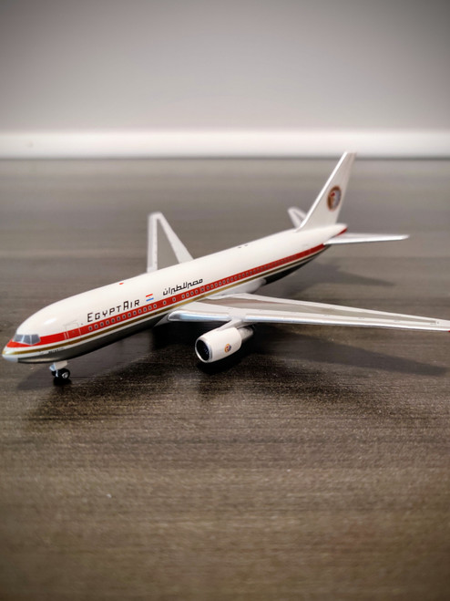 Aeroclassics 1:400 EgyptAir 767-200 (SU-GAJ)