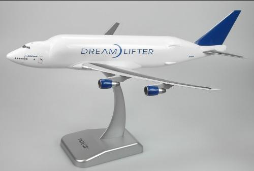 Hogan Dreamlifter 1:200 747