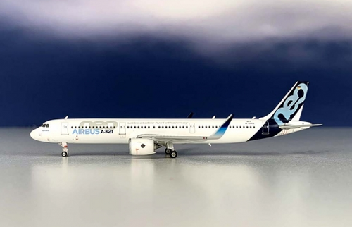 Phoenix 1:400 Airbus House Livery A321NEO