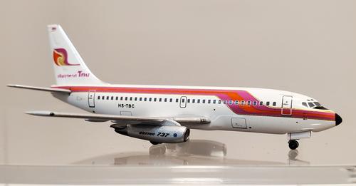 Aeroclassics 1:400 Thai Airways 737-200 (HS-TBC)