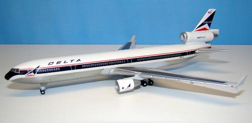 Dragon Wings 1:400 Delta MD-11