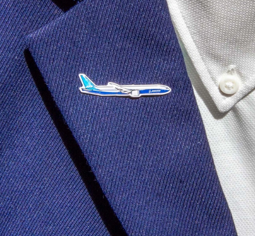 Lapel pin - 777-8 Illustrated Pin