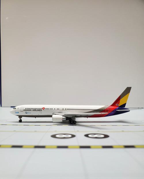 Phoenix 1:400 Asiana Airlines 767-300