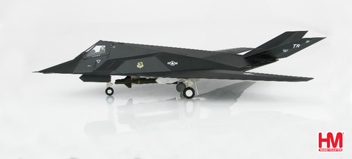 "Hobbymaster 1:72 F-117 Nighthawk 81-0796 ""Fatal Attraction,"" 415th TFW Desert Storm 1991"