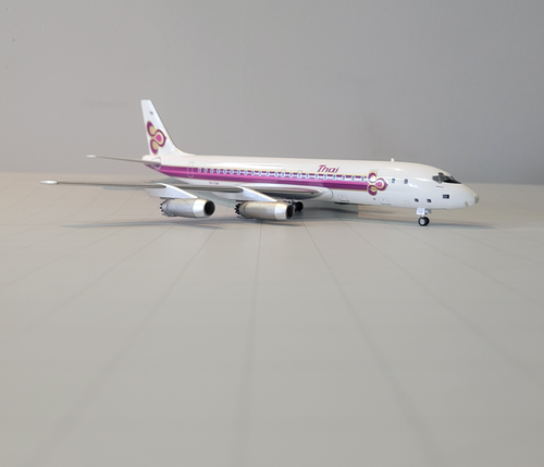 Aeroclassics 1:200 Thai International DC-8-50