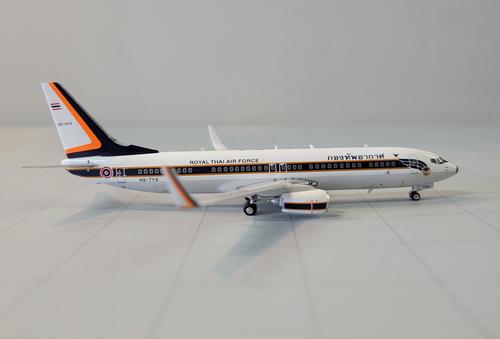 """Phoenix 1:400 Royal Thai Air Force 737-800 """"HS-TYS"""""""