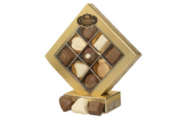 LUXURIOUS PRALINE CHOCOLATE  PACKAGE (DAIRY)- 9 PIECES