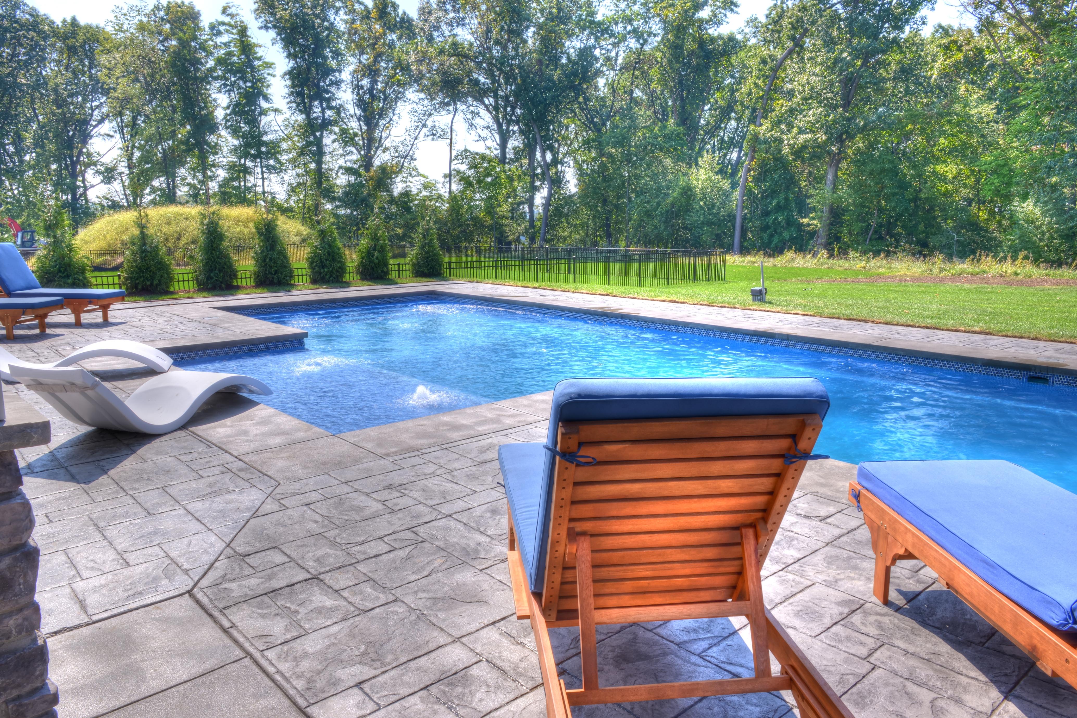 pen-pool-1-3794-.jpg