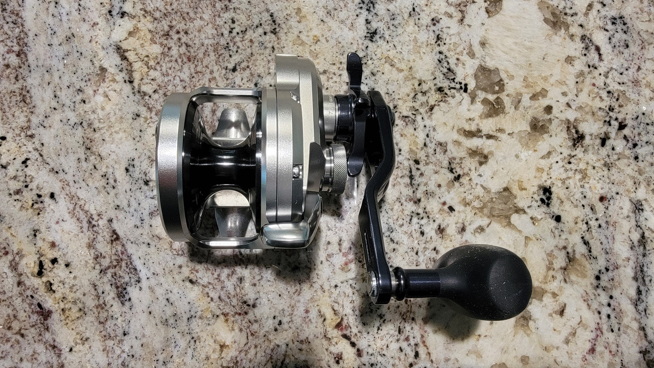 Shimano JDM 2021 Ocea Jigger (Silver with Blued handle and spool)