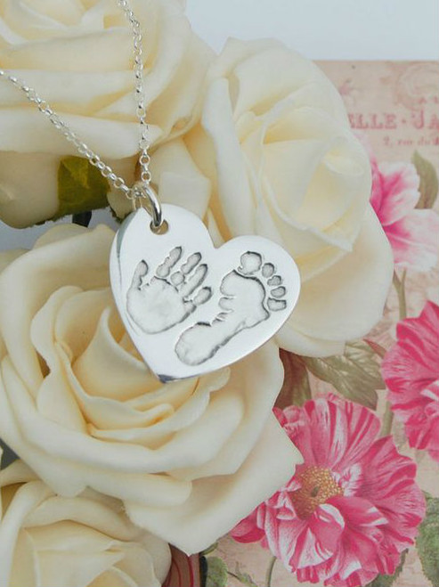 Traditional heart pendant and belcher chain