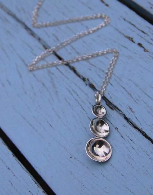 Domed pendant and chain