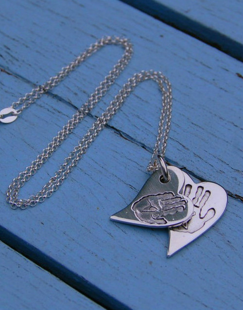 Silver double stacked print wavy heart pendant