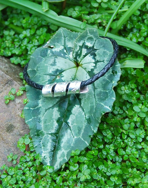 Spiral message on a leather bracelet - suitable for men and women