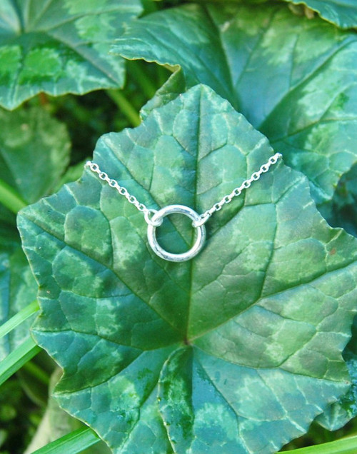 Elegant dainty silver circle necklace