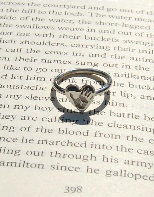 The elegant heart hand print ring