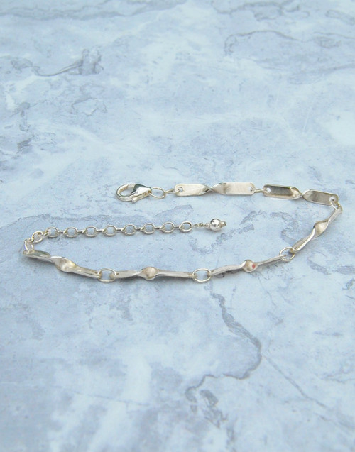 Elegant and stylish our Ripple silver bracelet
