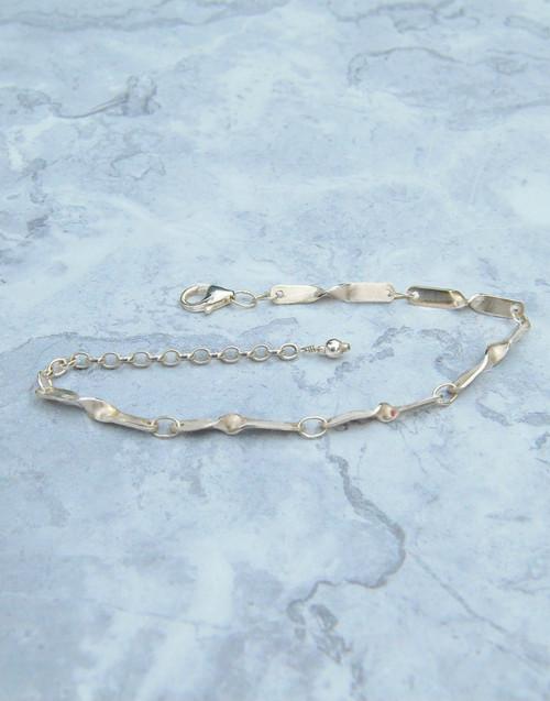 Elegant and stylish our Ripple silver bracelet