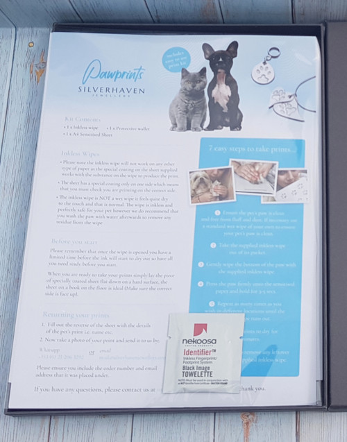 The perfect gift for the pet lover in your household.  The kit includes our includes an elegant presentation gift box, 2 x paw print wipes, 2 x sheets of specialised print paper, and full instructions to on how to take perfect print.