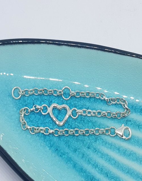 Silver dainty heart bracelet - the perfect gift