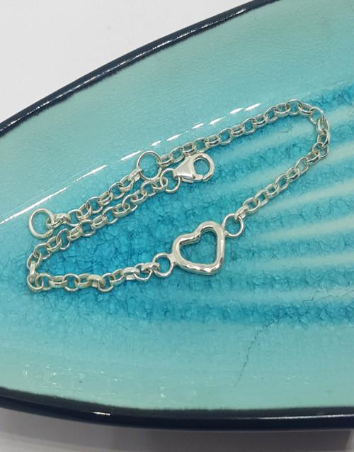 Sterling silver dainty heart link bracelet