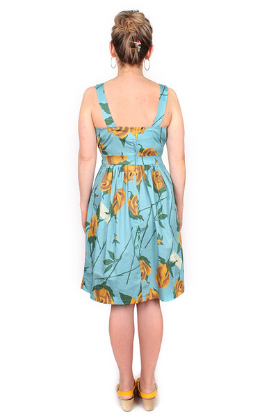 Holly Dress Roses