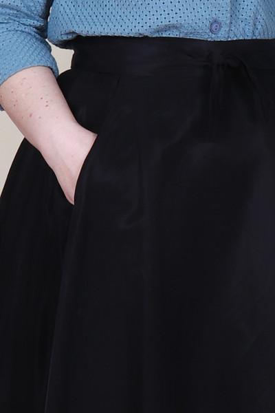 Valentina Skirt Midi Pitch Black