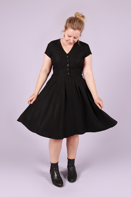 Saski Dress Back in Black