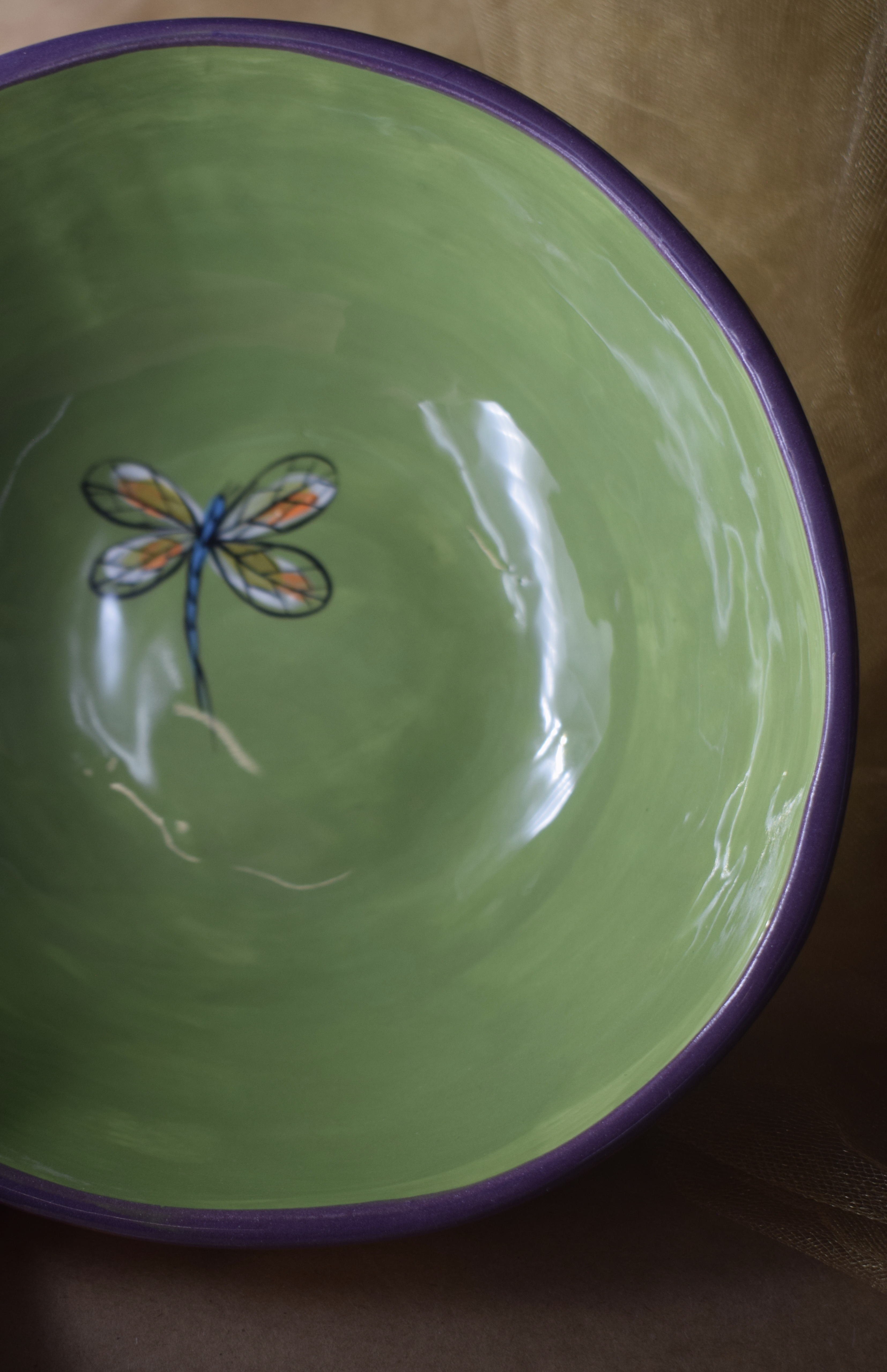 "(MB22-YLD) 8"" Shallow Bowl- Yellow Lavender with Dragonfly"