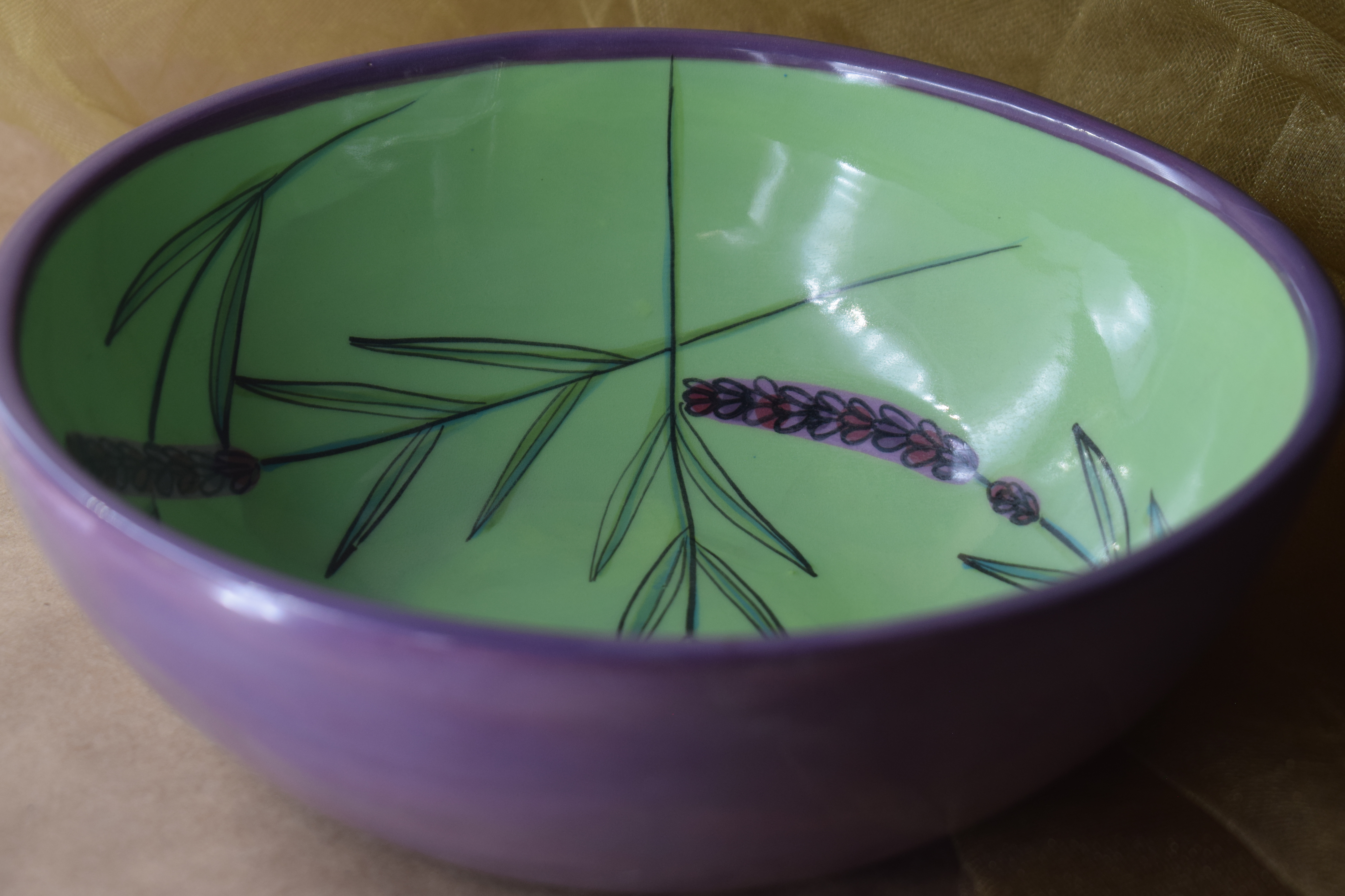 "8"" Shallow Bowl- Green Lavender"