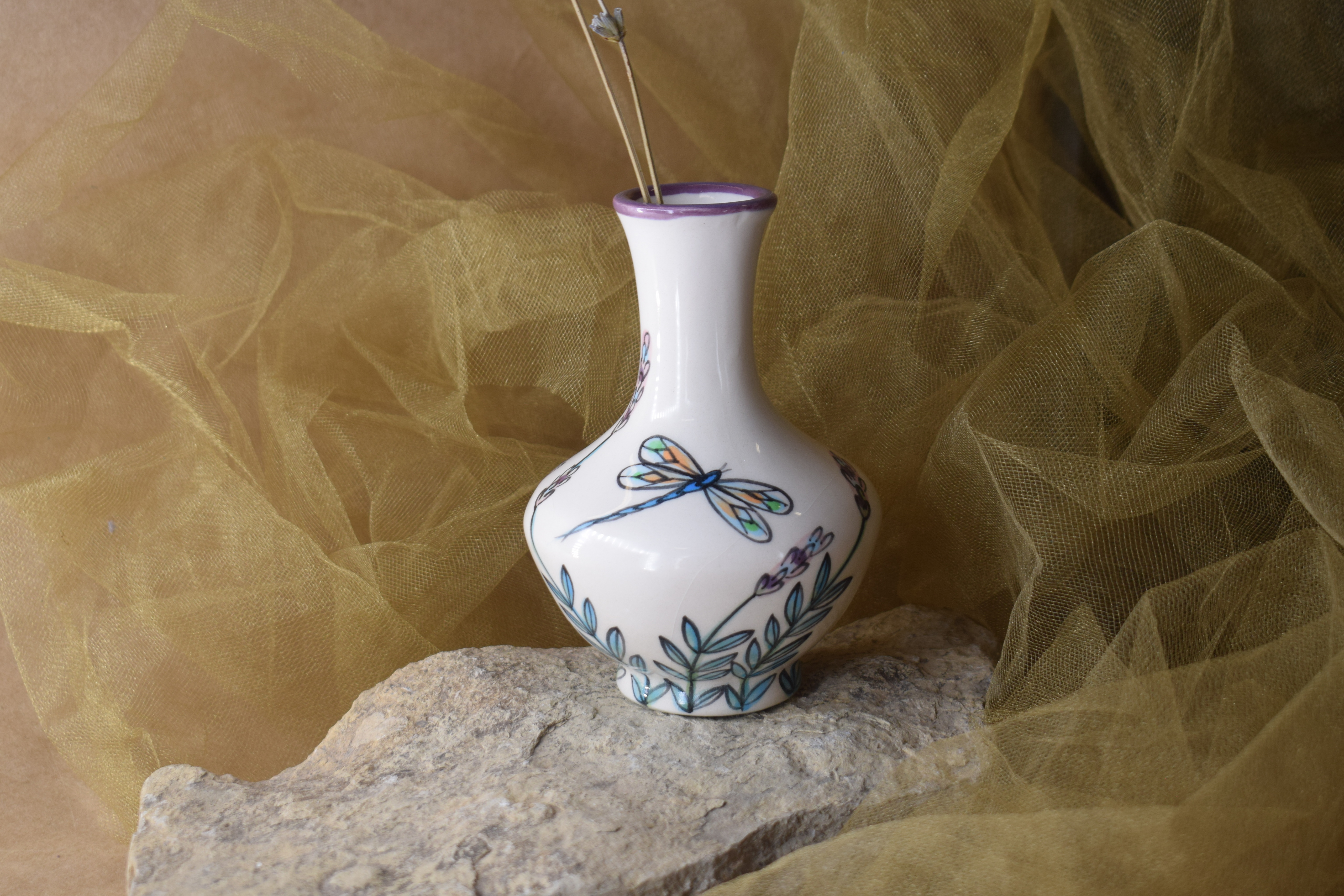 """(GV05-WLD) 5"""" Grecian Vase- White Lavender with Dragonfly"""