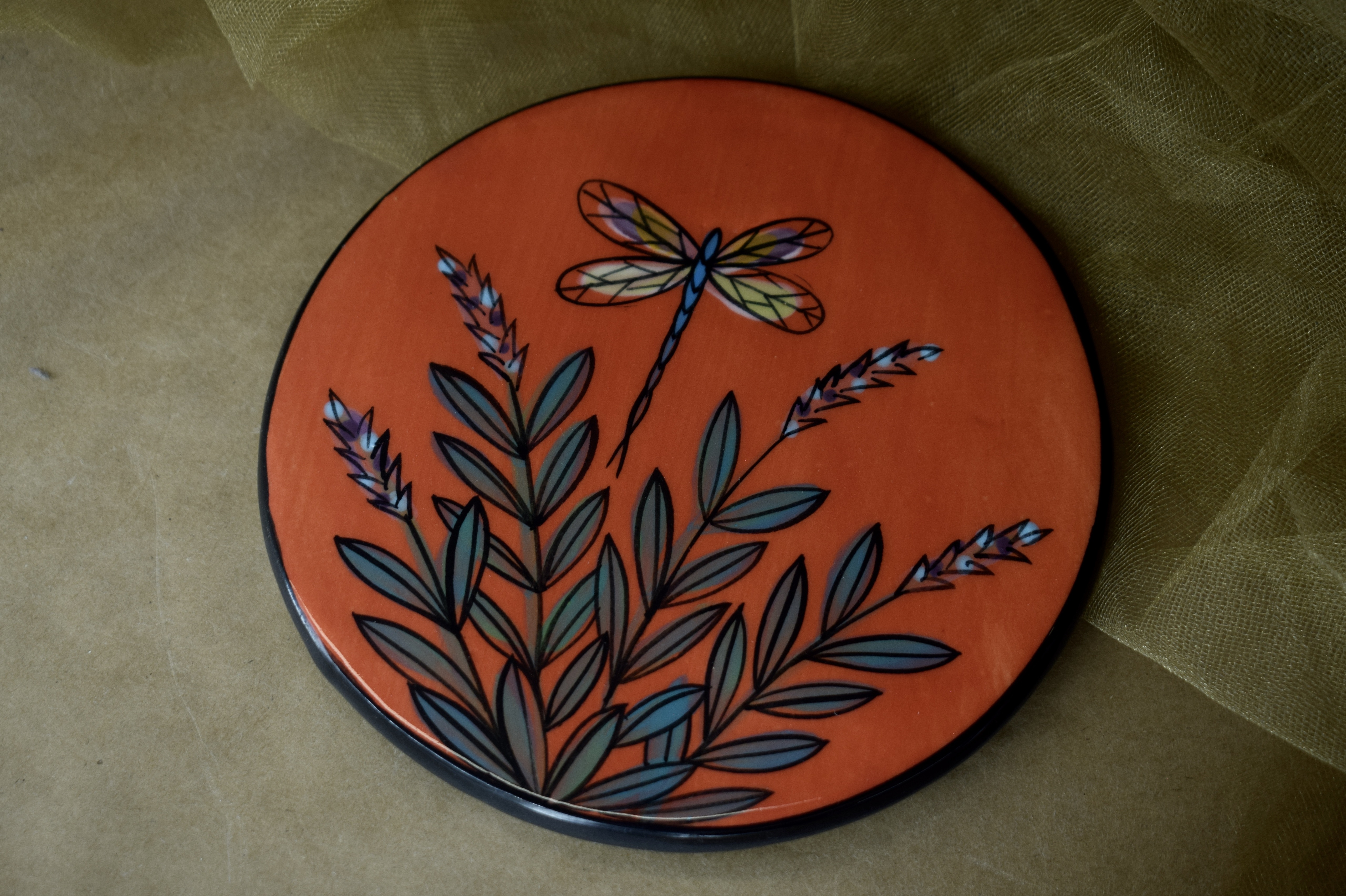 """(RT06-RLD) 6"""" Round Trivet- Red Lavender with Dragonfly"""