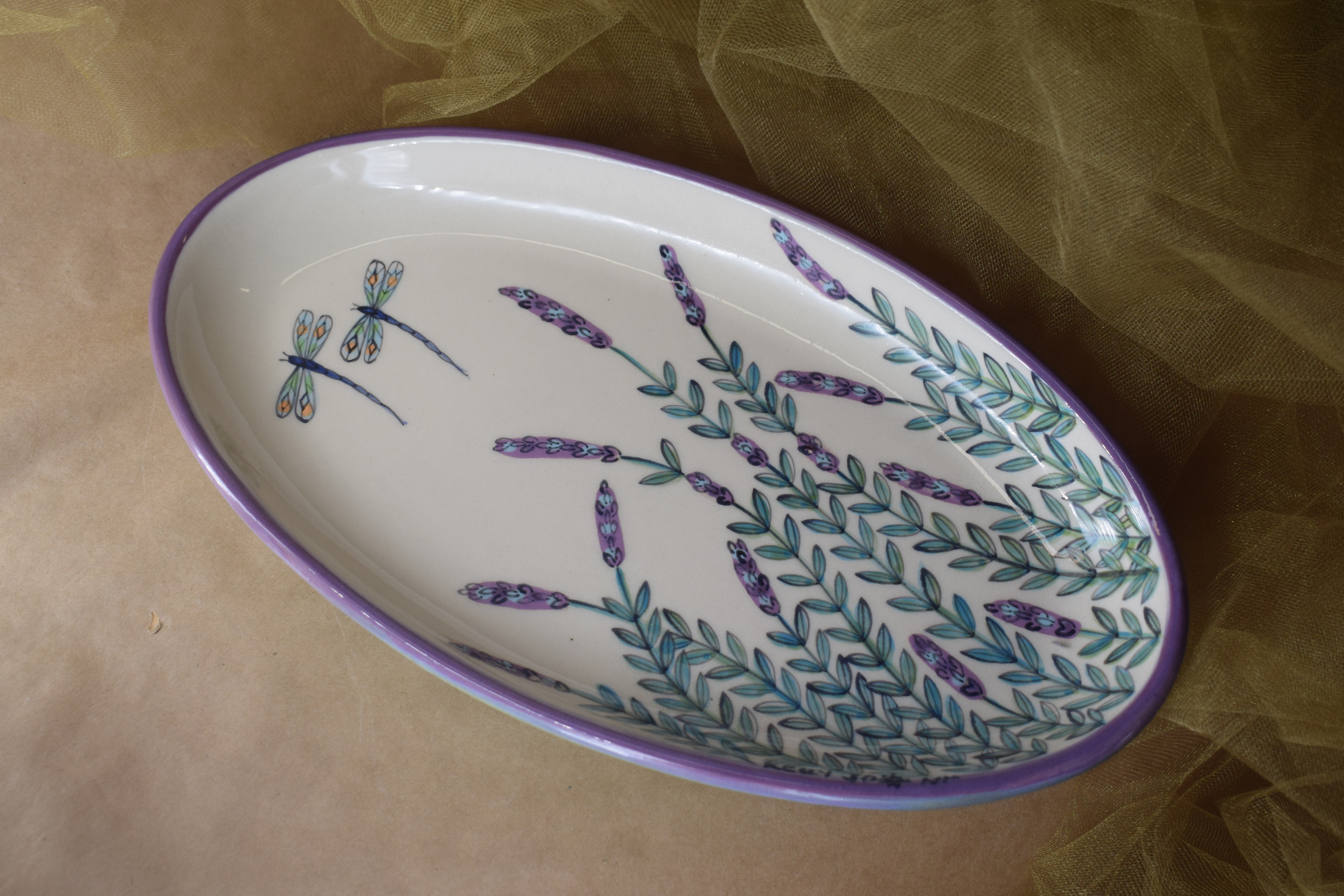 "(OP12-WLD) 12"" Oval Platter- White Lavender with Dragonfly"