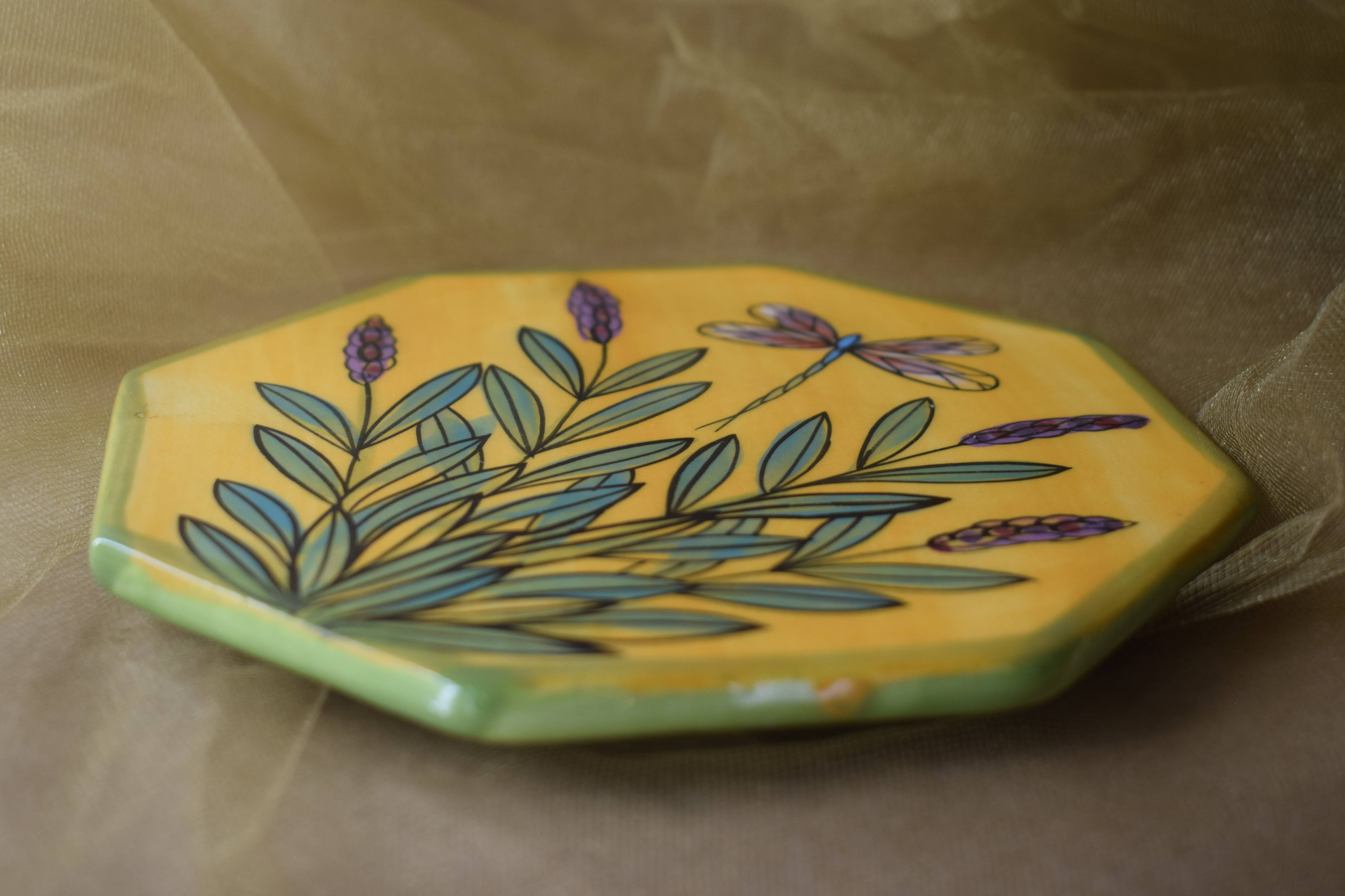 "(HT06-YLD) 6"" Hexagonal Trivet-Yellow Lavender with Dragonfly"
