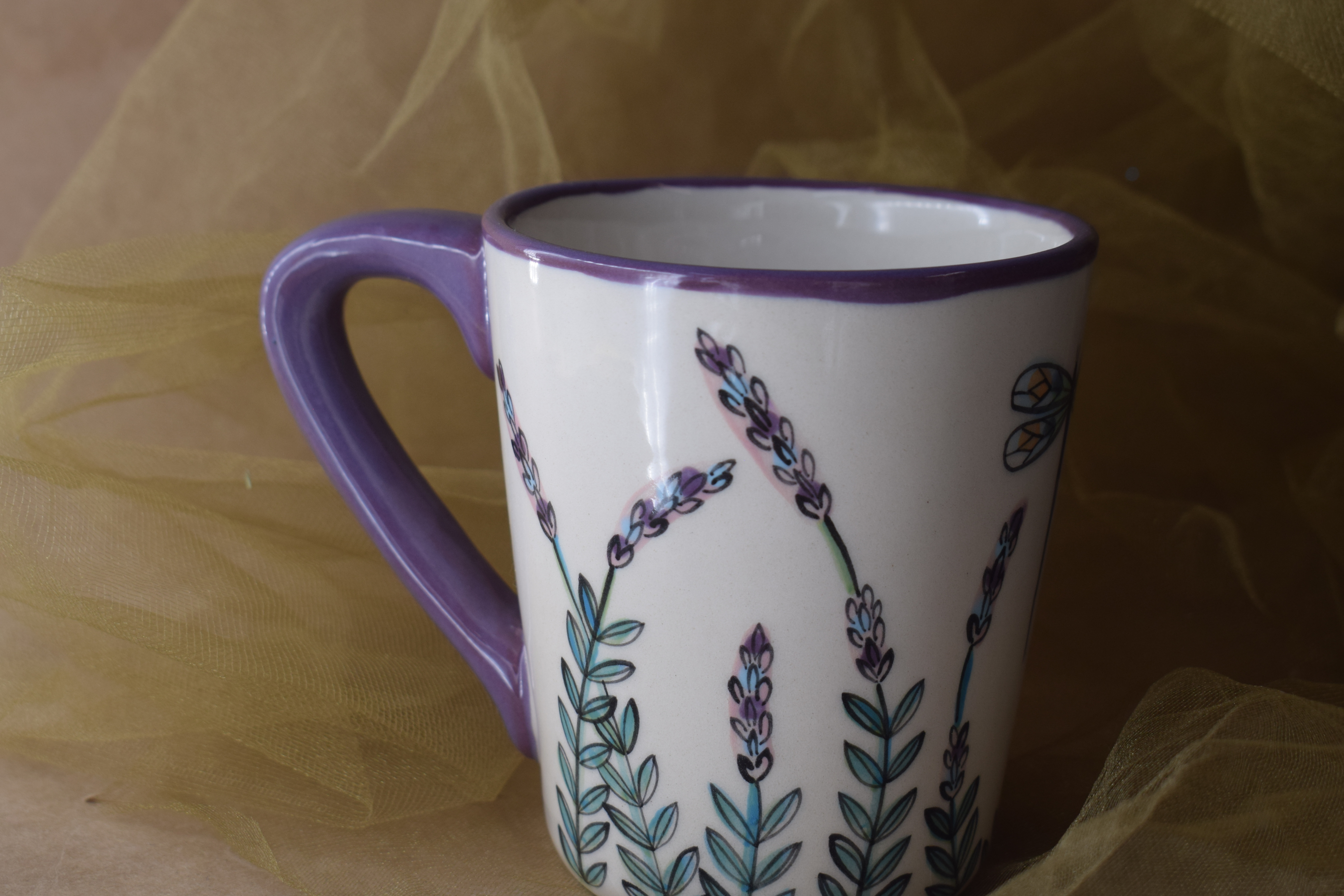 (AM04-WLD) 12 oz. Angled Mug-White Lavender with Dragonfly