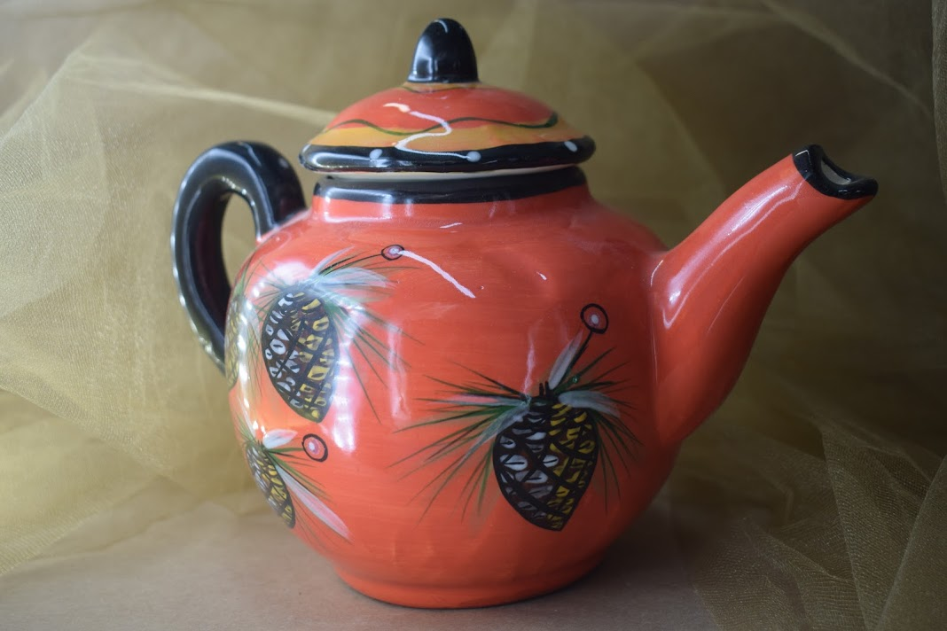 (TP09-PCR) Teapot- Pinecone Red