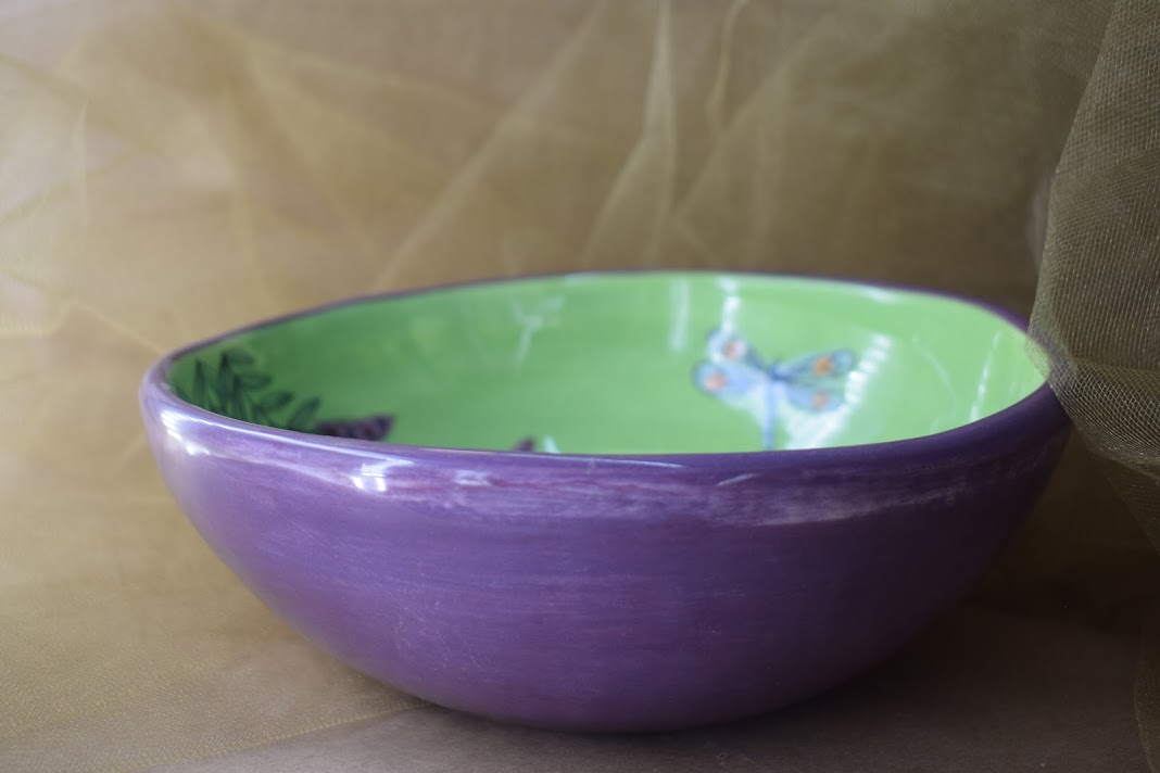 "(MB22-GLD) 8"" Shallow Bowl- Green Lavender with Dragonfly"