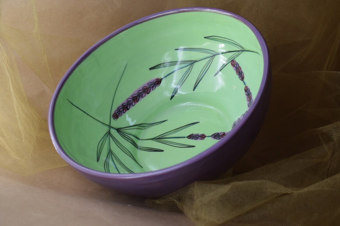 "(MB23-GL) 8"" Footed Round Bowl- Green Lavender"