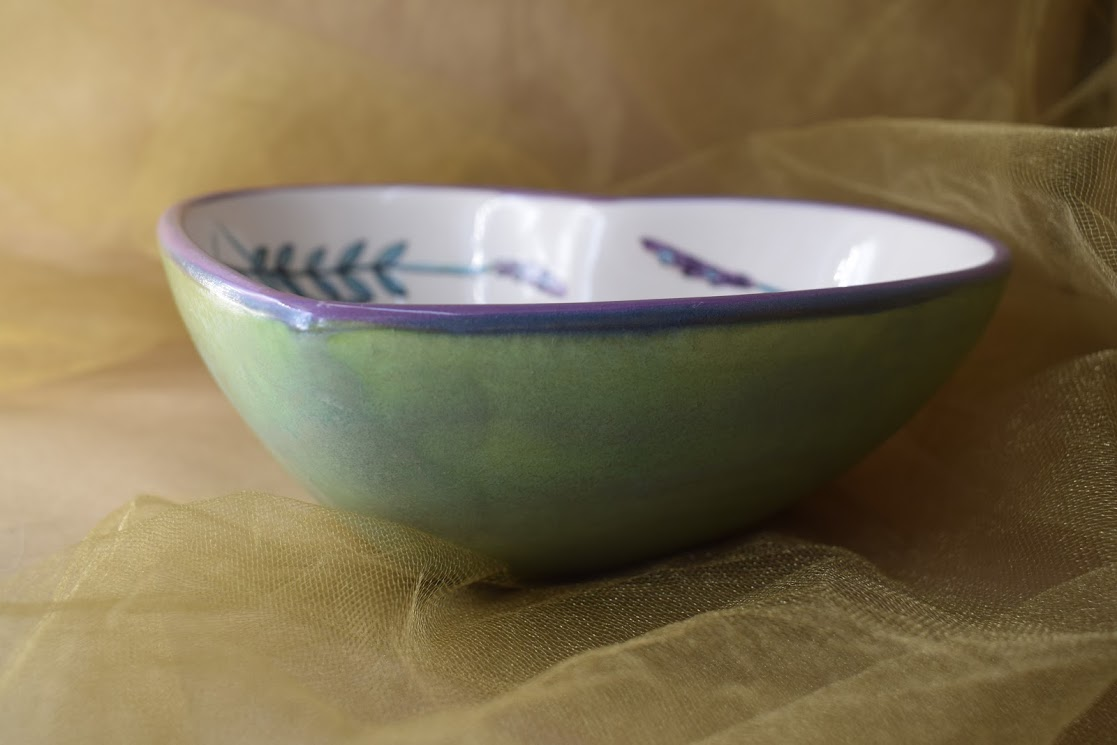 (DHB22-WLD) Deep Heart Bowl- White Lavender with Dragonfly