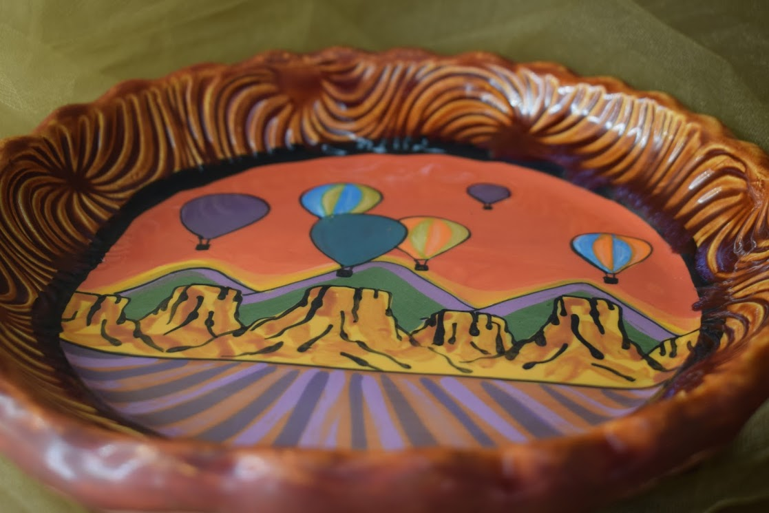 """(RF10-S-RB) 9"""" Round Quiche Plate- Special- Red Balloon"""
