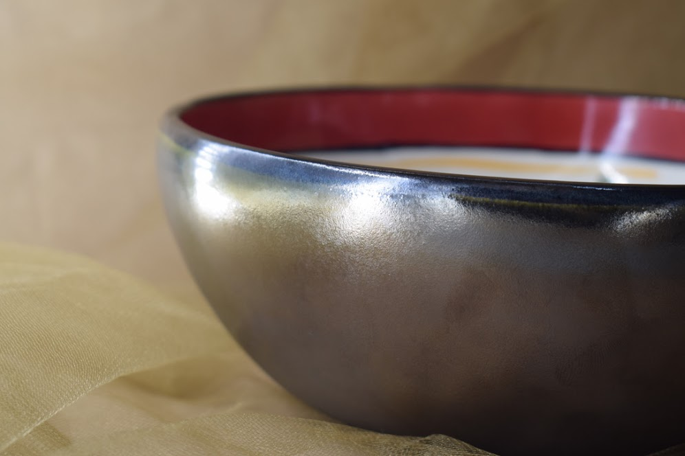 (MB24-M-VR) Medium Bowl- Metallic- Venetian Red